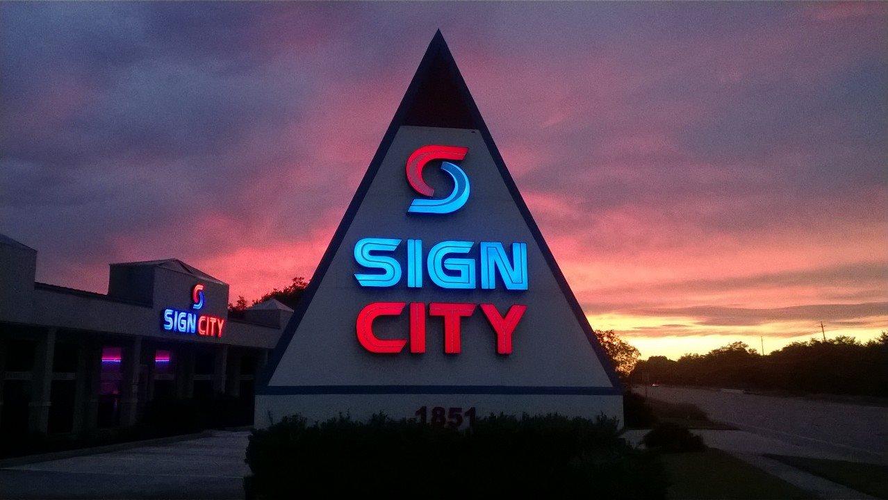 Sign_City_Monument.jpg